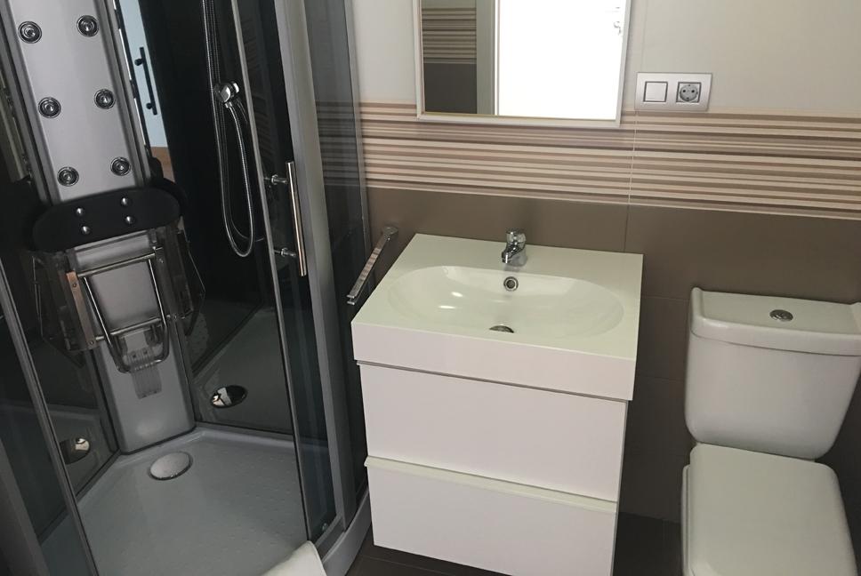 Baño de habitación de hotel relax